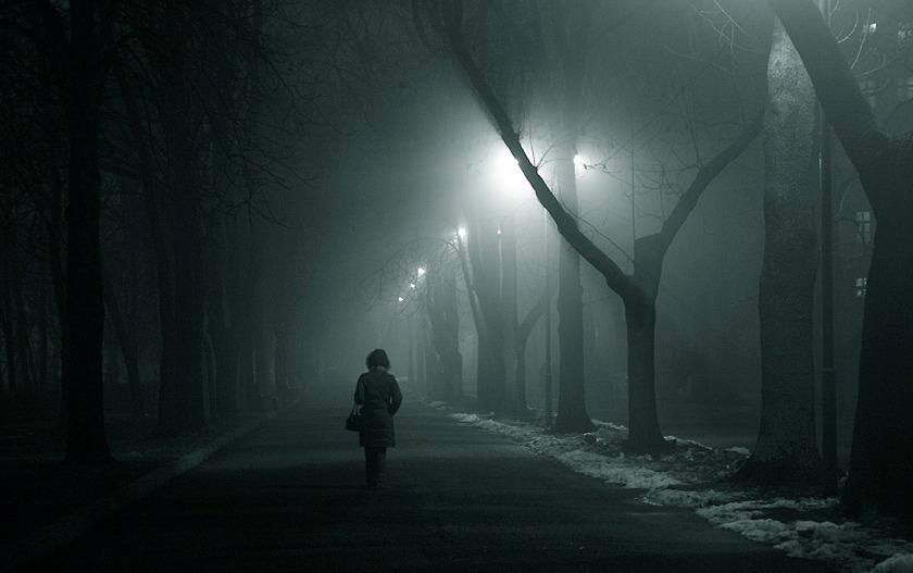"""Нагнетает грусть.  В голове моей только одна тема, тема: """"Одиночества """"."""