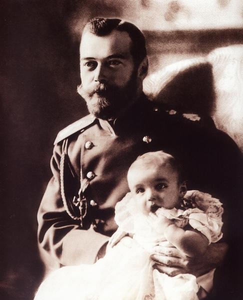 Государь Николай II с сыном, 1904 год