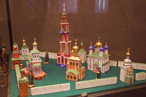 Модель Свято-Троицкой Сергиевой Лавры