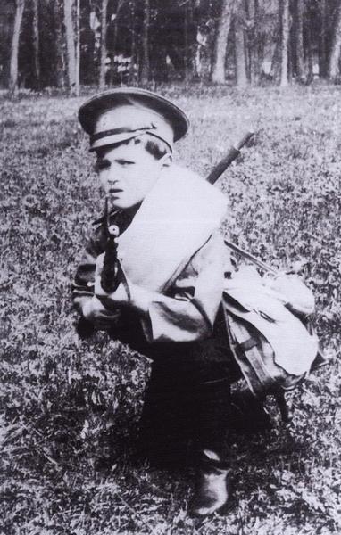 В полном снаряжении, 1912 год